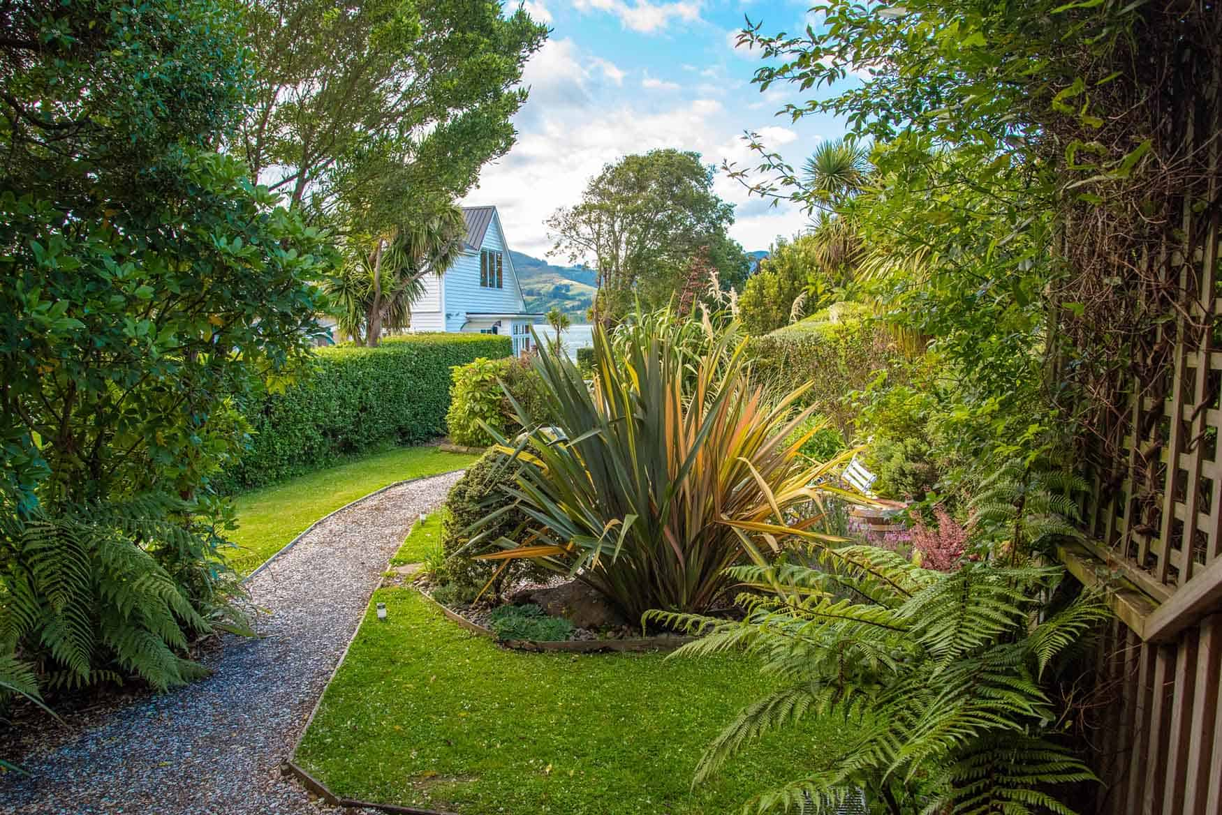 Garden from Bellbird Cottage - Fantail Lodge accommodation Dunedin